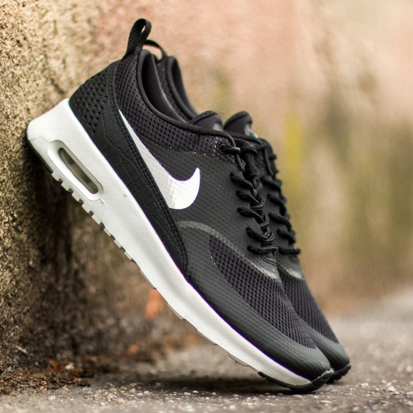 Nike Women s Air Max Thea size 7 Black white 866bba6c5